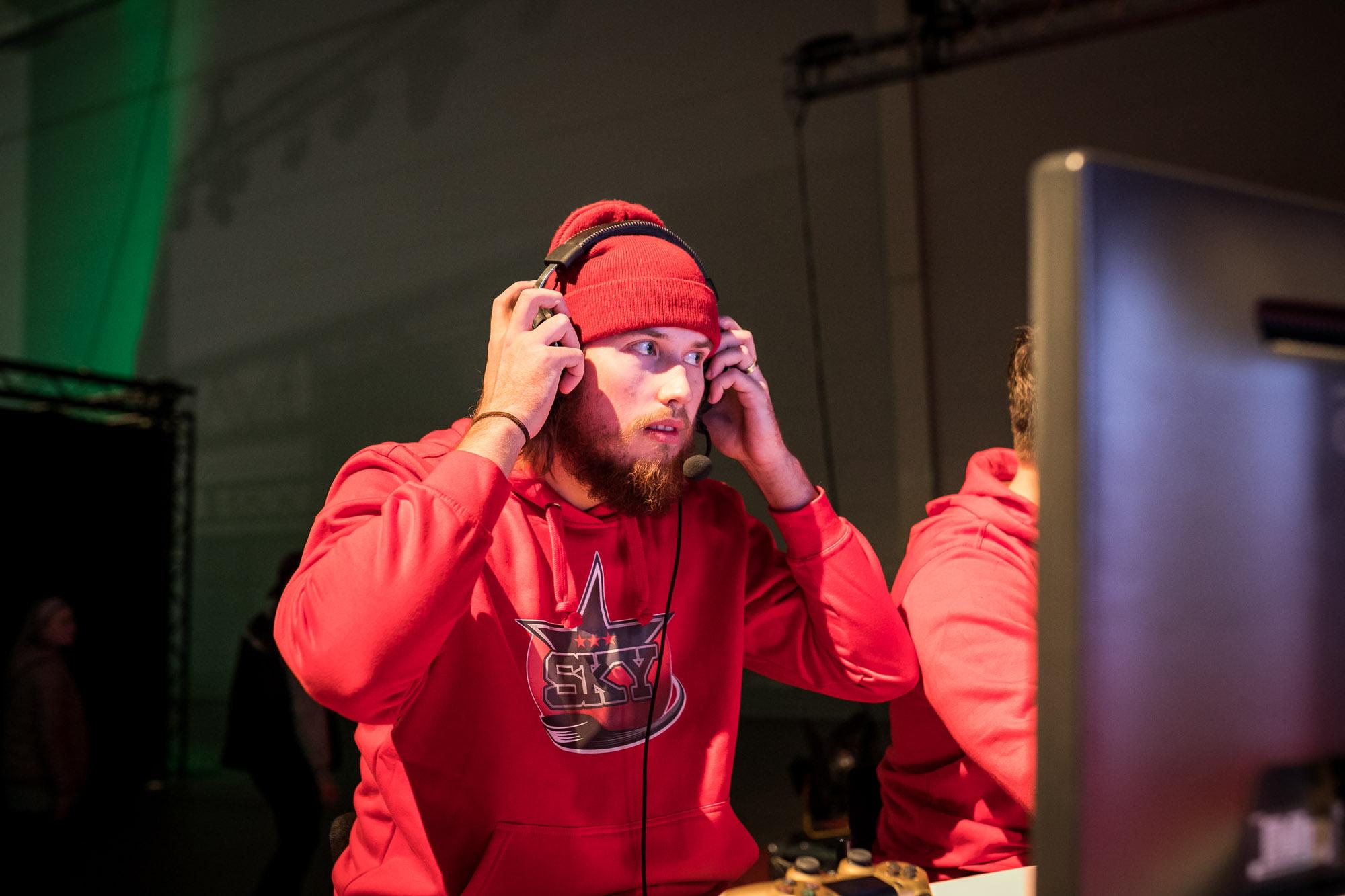 Jaaskelainen-NHLGamers-Gamexpo2018-1145.